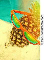 sommer, hintergrund, ananas, mit, sonnenbrille