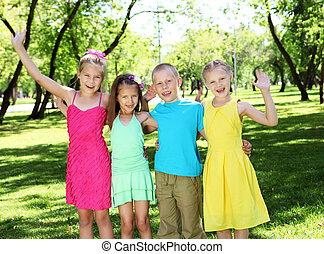 sommer, park, spielende kinder