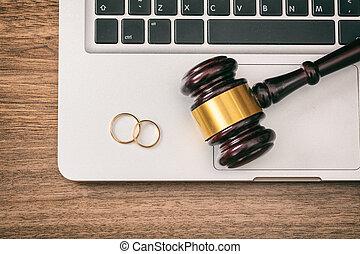 sommet bois, anneaux, ordinateur portable, juge, informatique, mariage, marteau, fond, vue