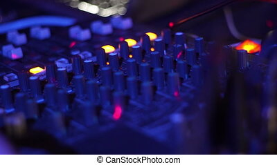 son, contrôle, deck., jockey, dj, lumière colorée, haut, mélangeur, joueur, disque, musique, nightclub., fin, console mélange, partie., panneau