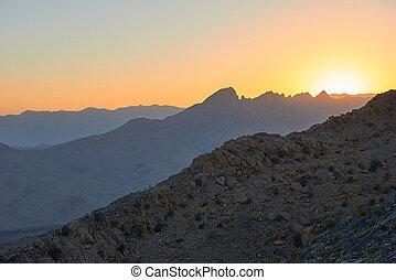 sonnenaufgang, aus, der, berge