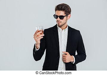 sonnenbrille, whiskey, spiegel, suite, geschäftsmann