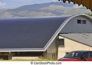sonnenkollektoren, dach, von, a, groß, gebogen, oberfläche, auf, a, städtisch, gebäude