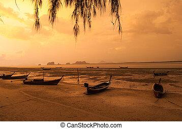 sonnenuntergang, an, der, fischer, dorf, thailand