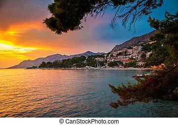 sonnenuntergang, oben, adriatisches meer, und, kuesten, in,...