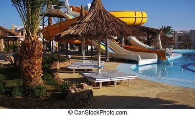 sonnig, hotel, cluburlaub, mit, blaues, teich, palmen, und,...