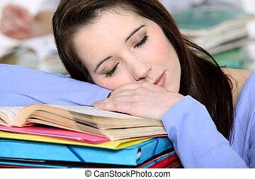 sonnolento, student.