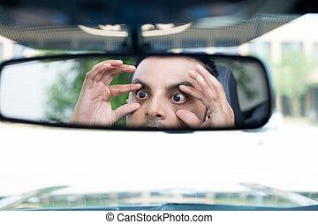 sonolento, motorista, reações, em, rearview