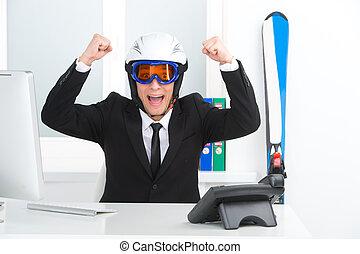 sonreír feliz, hombre de negocios, en, esquí, aldea, y,...