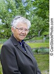 sonriente, abuelita