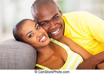 sonriente, africano, pareja