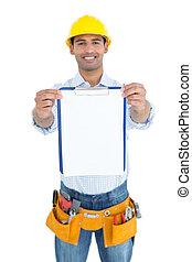 sonriente, factótum, en, sombrero duro amarillo, valor en cartera el portapapeles