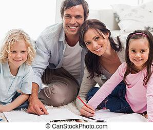 sonriente, familia , dibujo, juntos