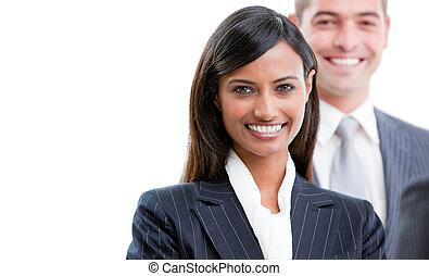 sonriente, joven, empresarios, posición, consecutivo