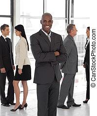 sonriente, líder, empresa / negocio, étnico