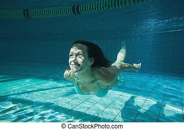 sonriente, morena, bastante, swimmin