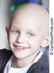 sonriente, niño, con, cáncer