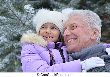 sonriente, nieta, aduelo