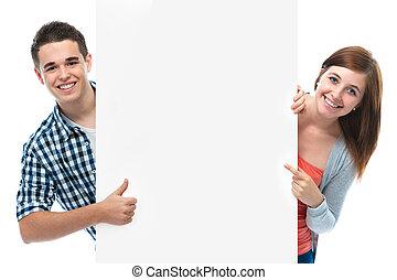 sonriente, tabla, adolescentes, tenencia, blanco