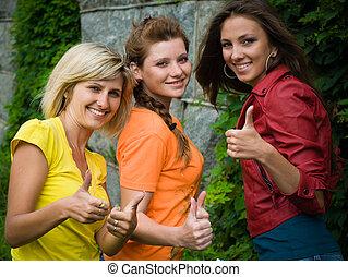 sonriente, tres, mujeres