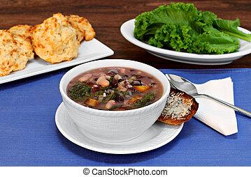 sopa, frijol, col rizada