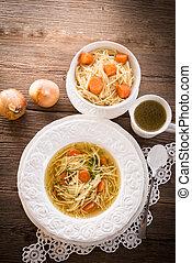 sopa noodle, com, carne, caldo