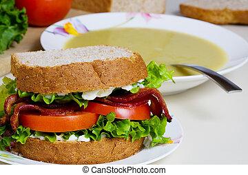 sopa, sanduíche