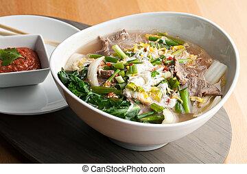 sopa, tailandés, estilo, carne de vaca