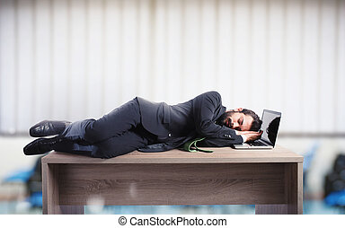 sopra, essere sovraccaricato di lavoro, dovuto, scrivania, uomo affari, in pausa