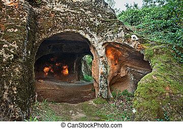 sorano, tuscany, italy:, antiga, caverna, esculpido, em, a,...