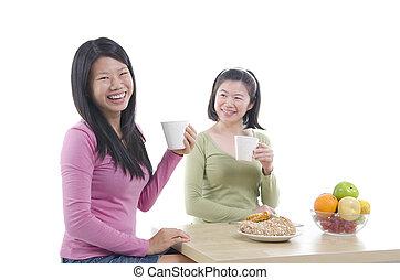 sorelle, cenando, asiatico