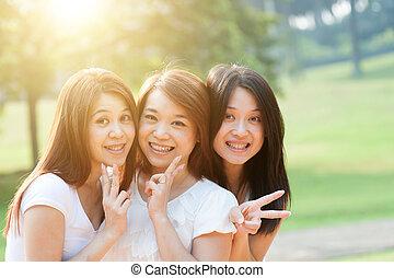 sorelle, esterno, asiatico