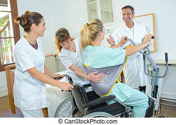 sorgend, patient, doktor, gruß, behindertes, mann