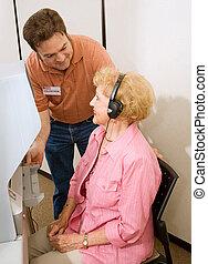 sorozat, idősebb ember, szavazás, -, segítség