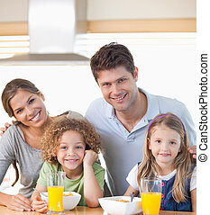 sorridente, famiglia, detenere, colazione