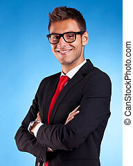 sorridente, giovane, uomo affari
