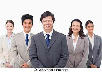 sorridente, giovane, vendite uniscono, standing