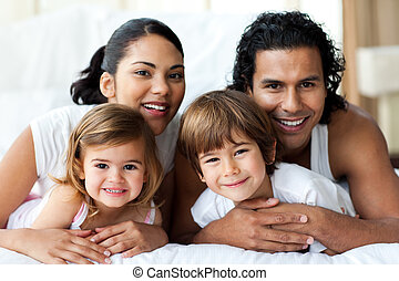 sorridente, macchina fotografica, famiglia, felice