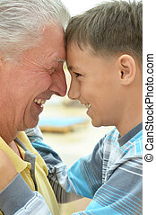 sorridente, nipote, nonno