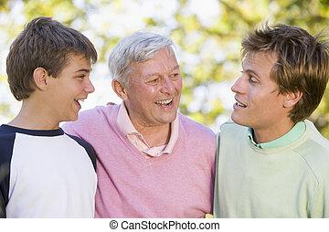 sorridente, nonno, nipote, figlio