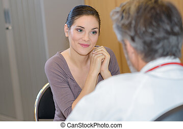 sorridente, paziente, dottore femmina