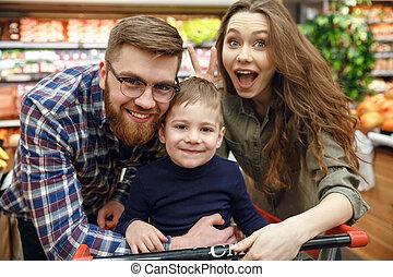 sorridente, proposta, supermercato, famiglia, felice