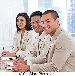 sorridente, soci, riunione affari