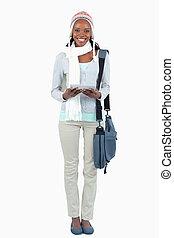 sorridente, studente, con, sciarpa, cappello, e, touchpad