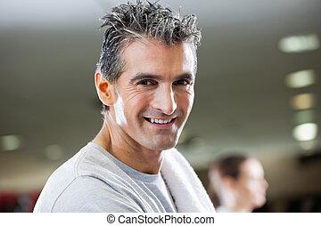 sorrindo, ajustar, homem maduro