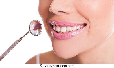 sorrindo, boca, de, um, mulher, mostrando, dela, dentes saudáveis