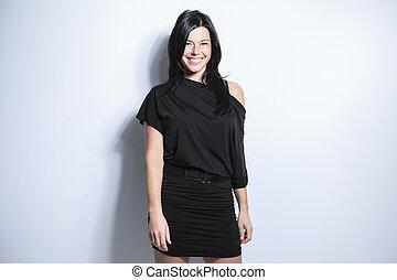 sorrindo, cabelo preto, mulher, ligado, cinzento, fundo
