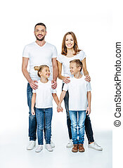 sorrindo, camisetas brancas, família