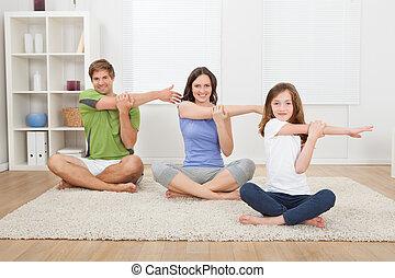 sorrindo, executar, ioga, tapete, família