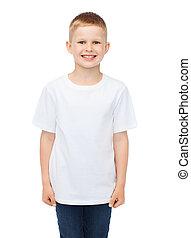 sorrindo, menino, em, branca, em branco, t-shirt